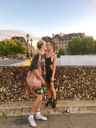 Lovebirds at the lovelocks